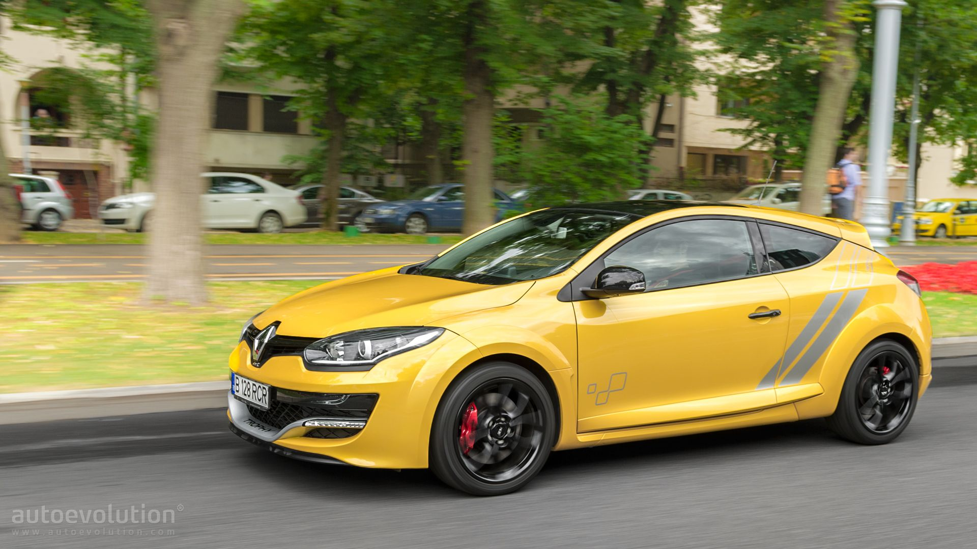 2015 renault megane rs 275 trophy review autoevolution. Black Bedroom Furniture Sets. Home Design Ideas
