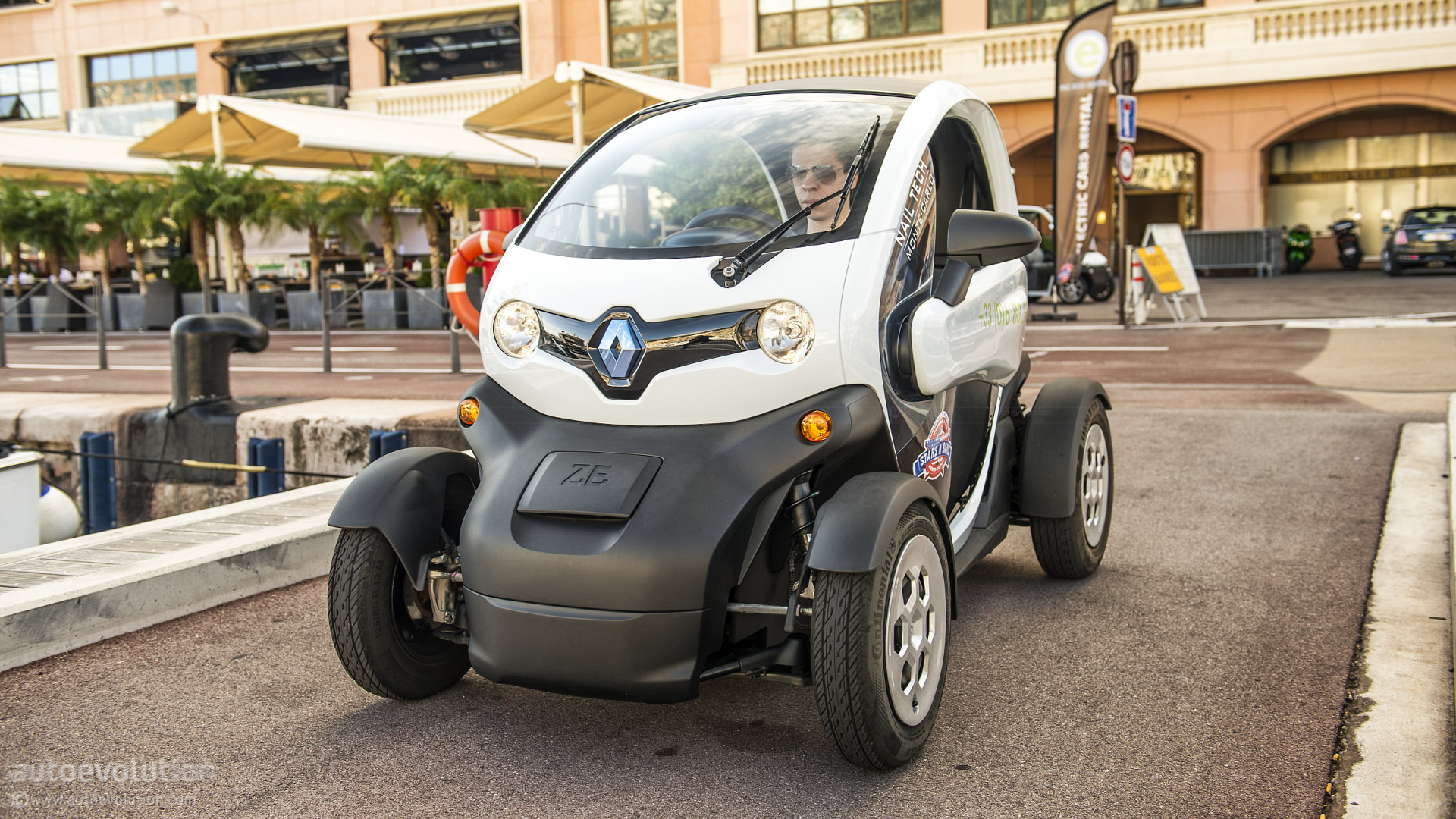 renault twizy ev review autoevolution. Black Bedroom Furniture Sets. Home Design Ideas