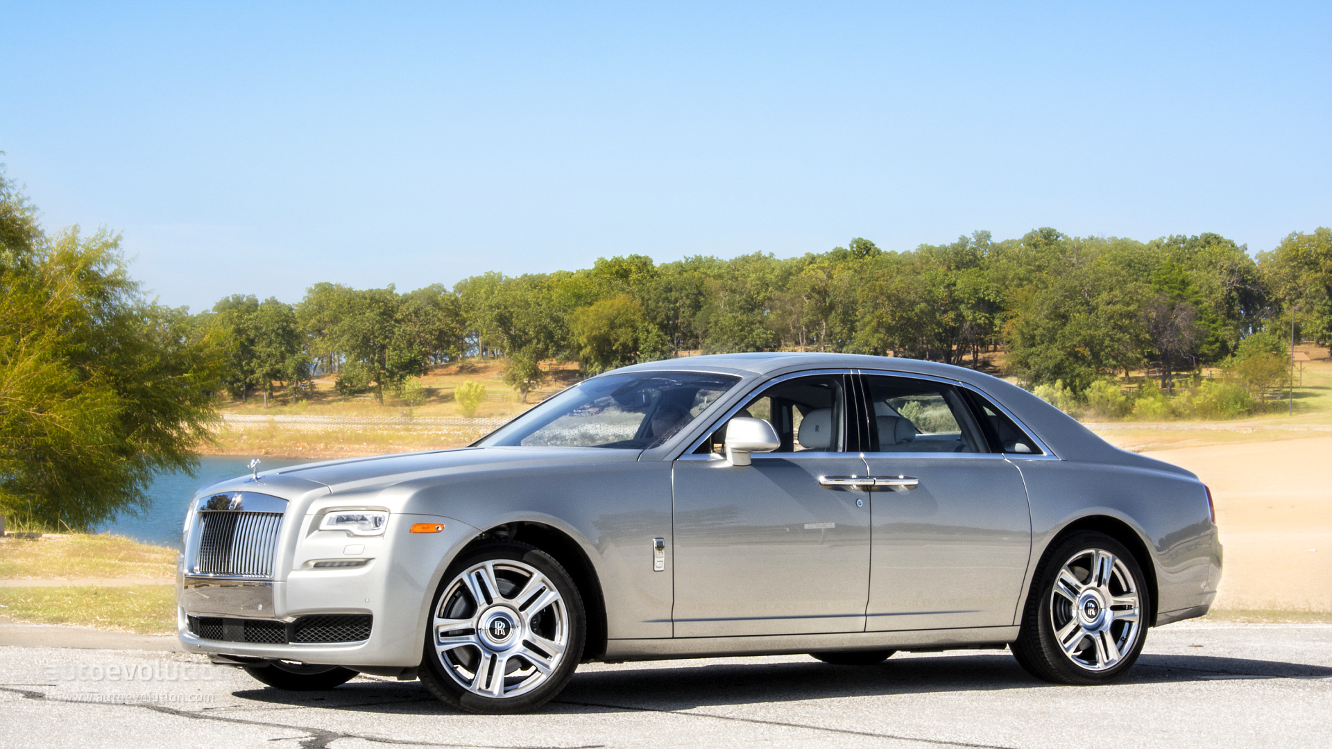 Used Car Finder >> ROLLS-ROYCE Ghost Series II Review - autoevolution