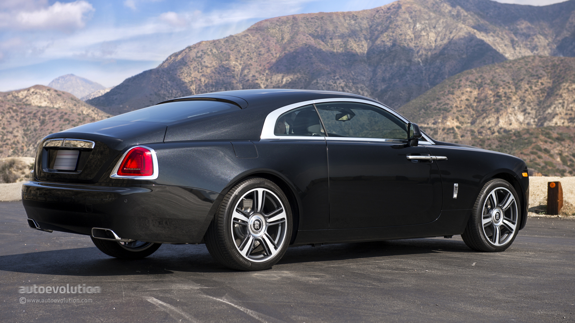 ROLLS-ROYCE Wraith Review - autoevolution