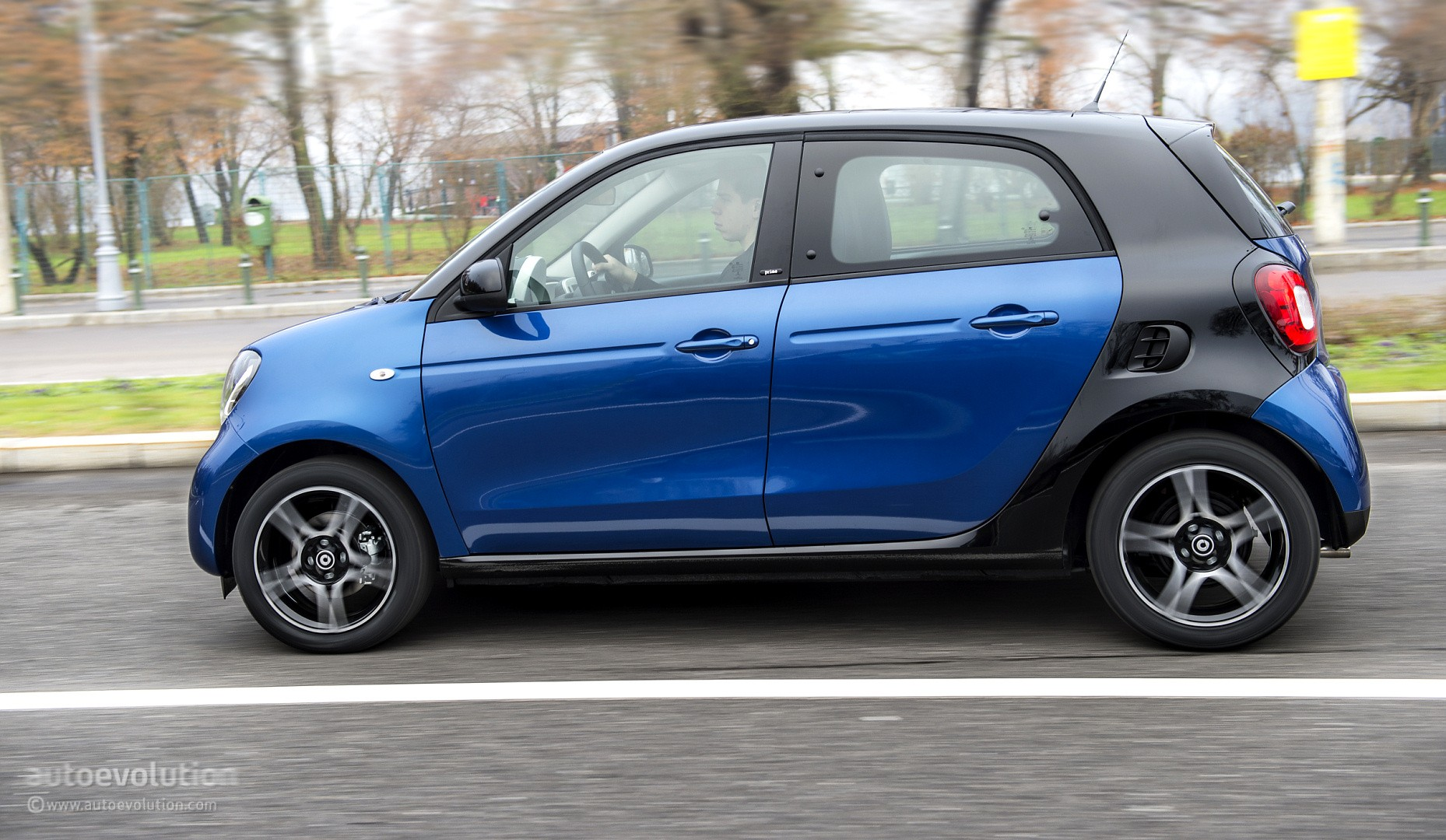 2015 Smart Forfour Review Page 2 Autoevolution