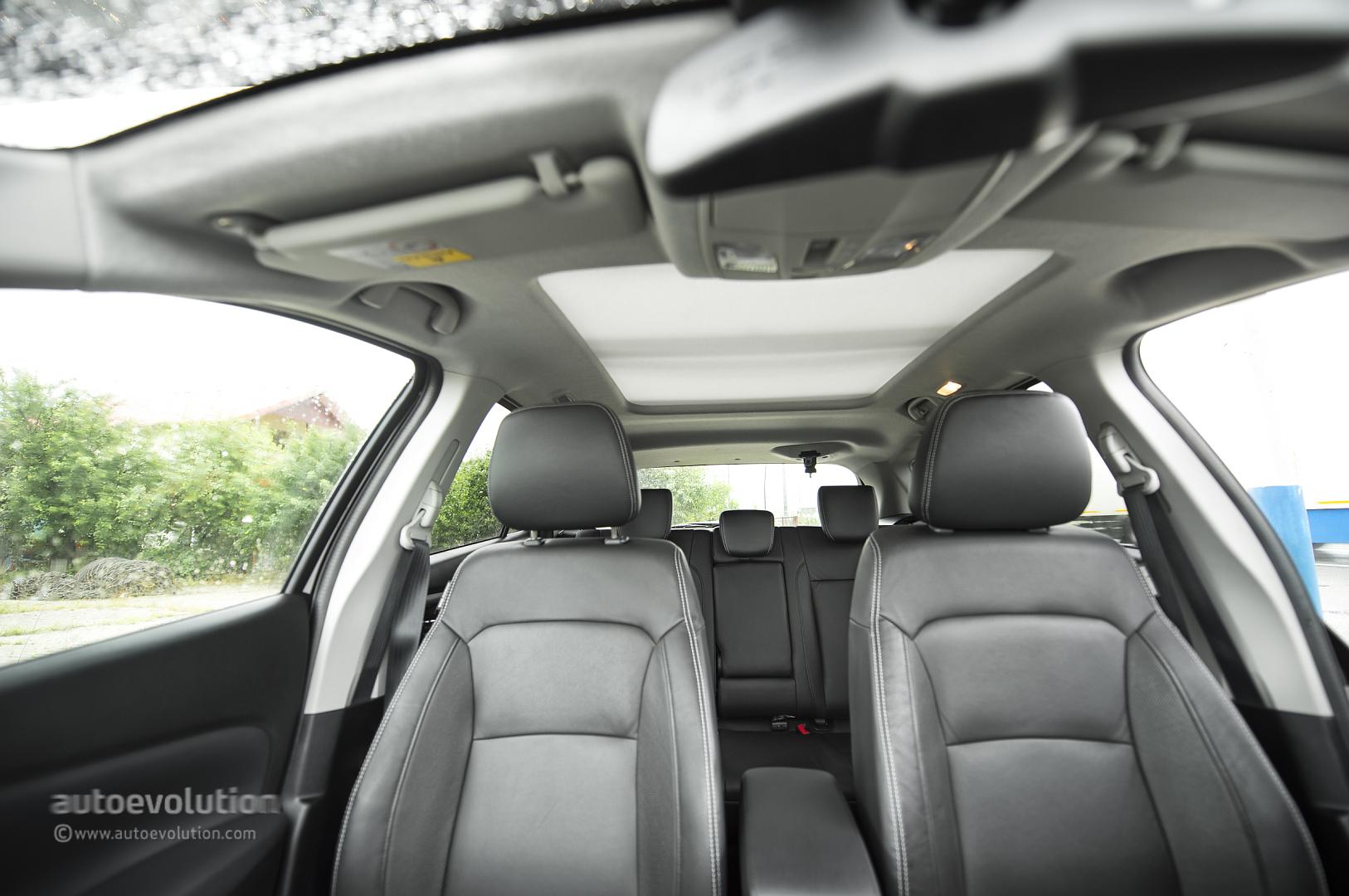 M Drive Reviews >> Suzuki SX4 S-Cross Review - autoevolution