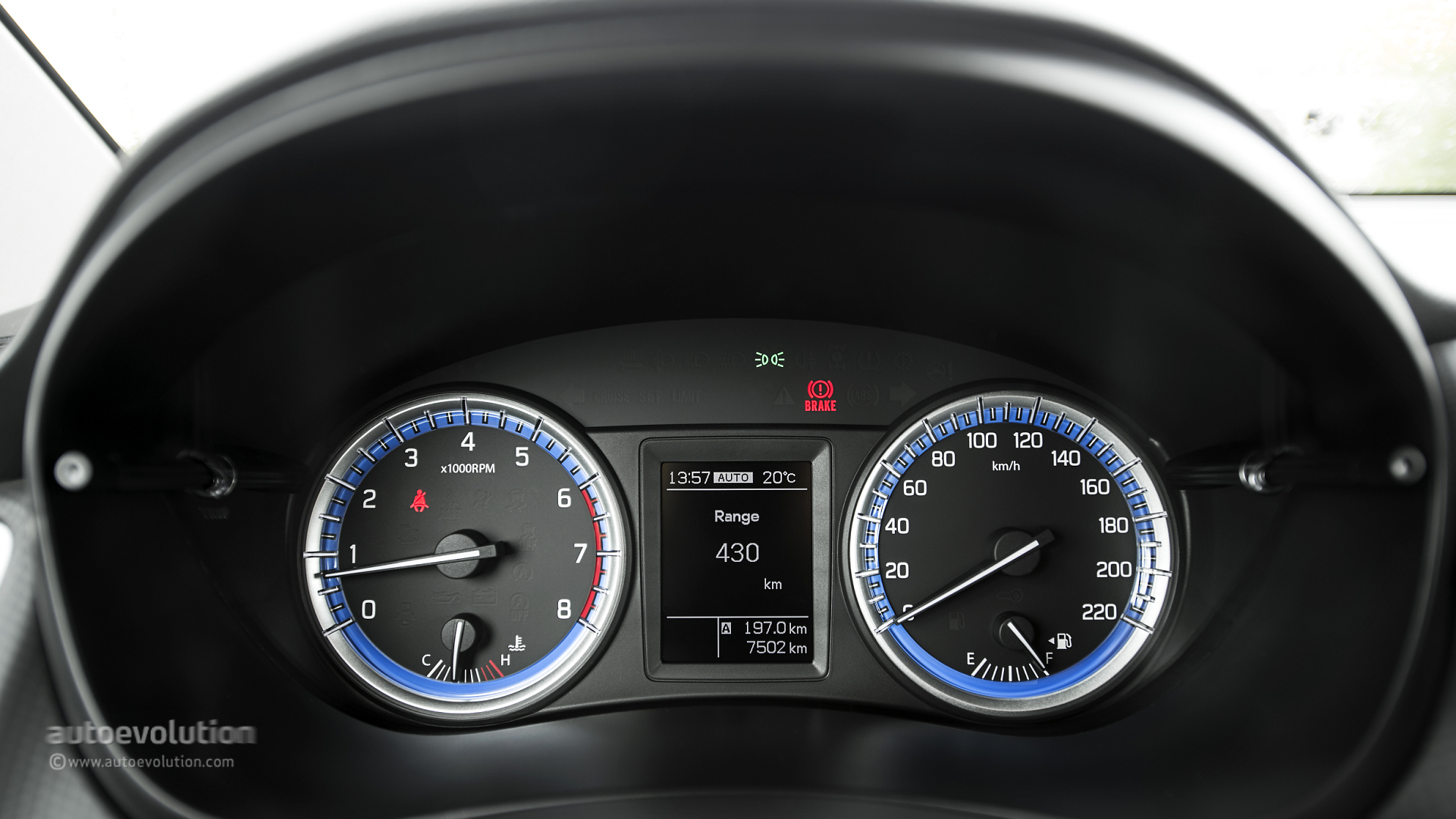D Car Logo >> Suzuki SX4 S-Cross Review - autoevolution