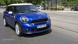 MINI Paceman Cooper S city driving