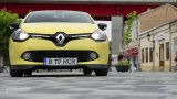 RENAULT Clio 4 in city