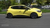 2013 RENAULT Clio accelerating in city