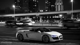 AUDI R8 V10 Spyder city night driving