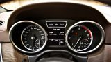 Mercedes-Benz ML350 instruments