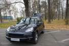 2010 Porsche Cayenne S three quarters front view