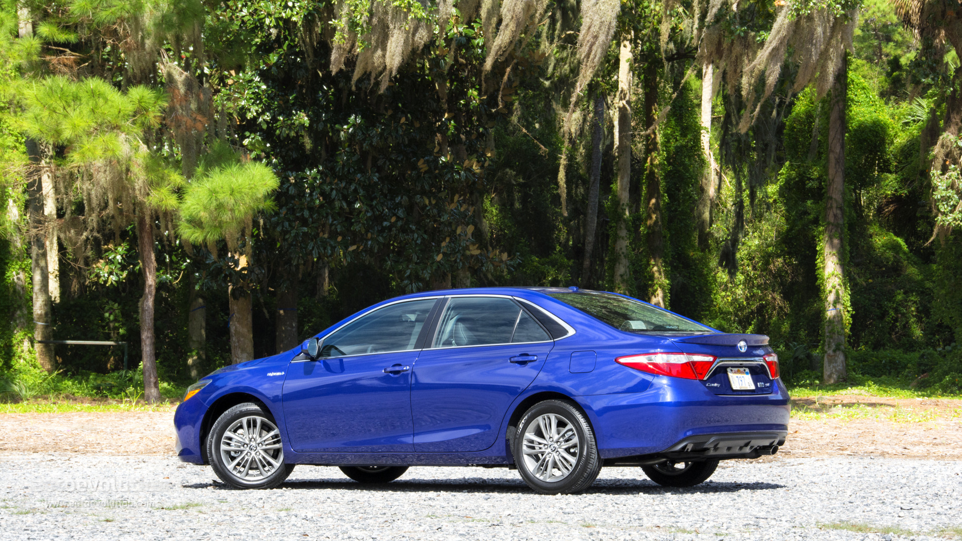 2015 Toyota Camry Review Autoevolution