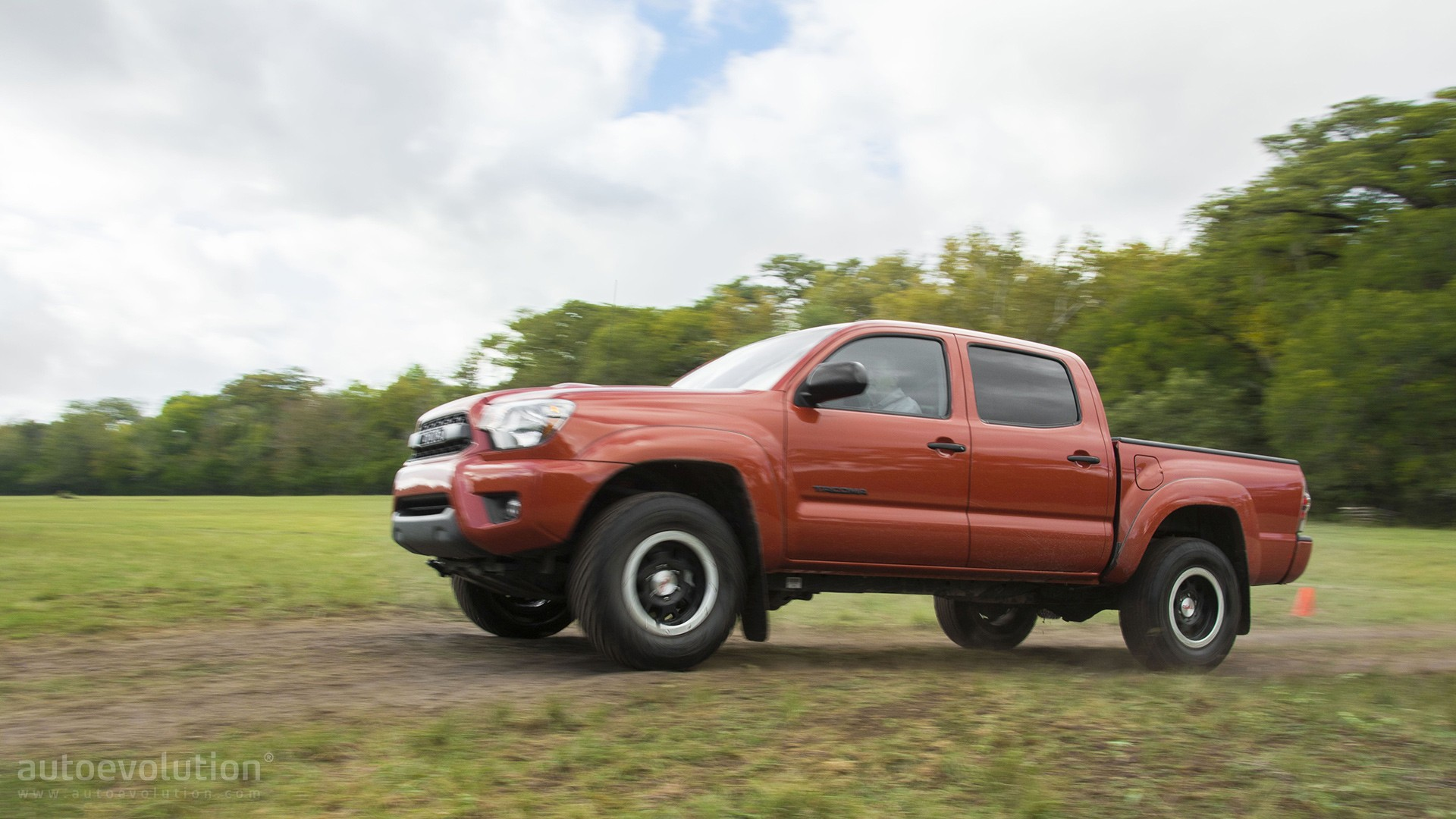 Toyota Tacoma Make The Splash Rooms In That Sauce