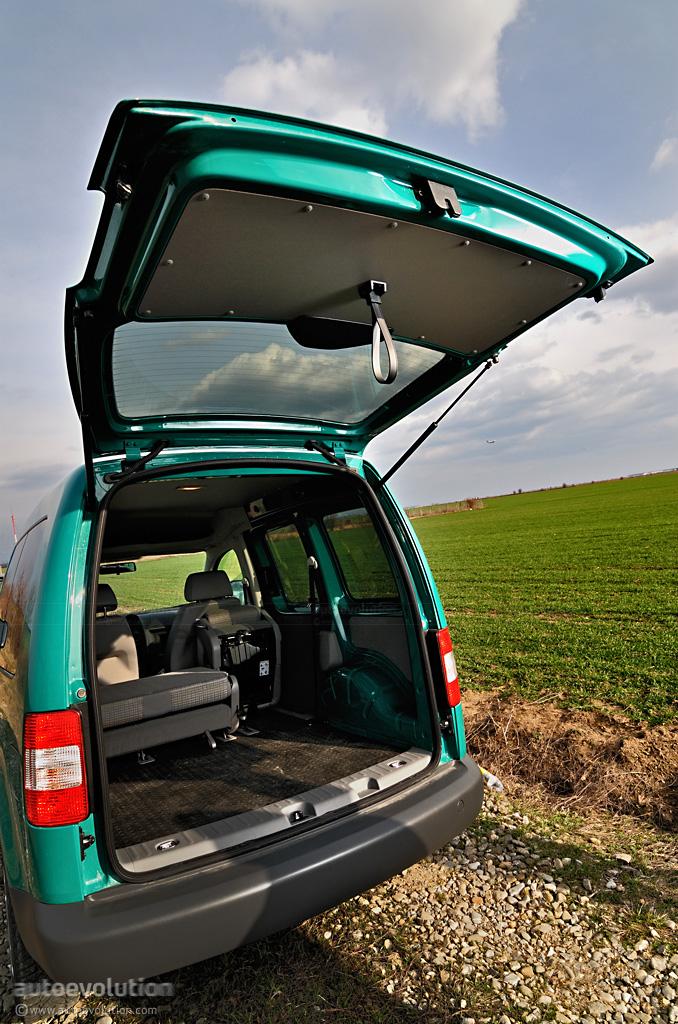 volkswagen caddy review autoevolution. Black Bedroom Furniture Sets. Home Design Ideas