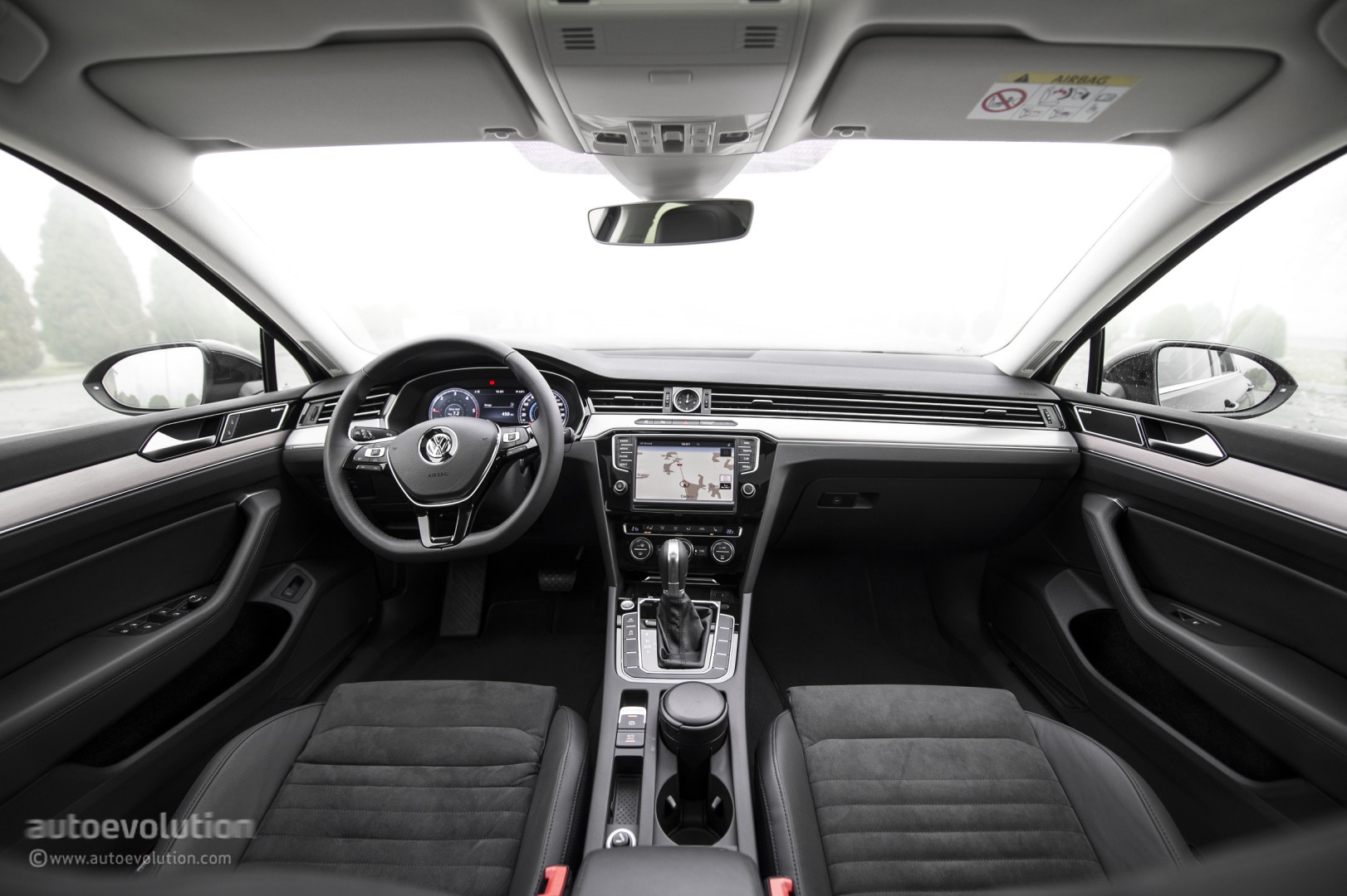 2015 VOLKSWAGEN Passat Review - autoevolution