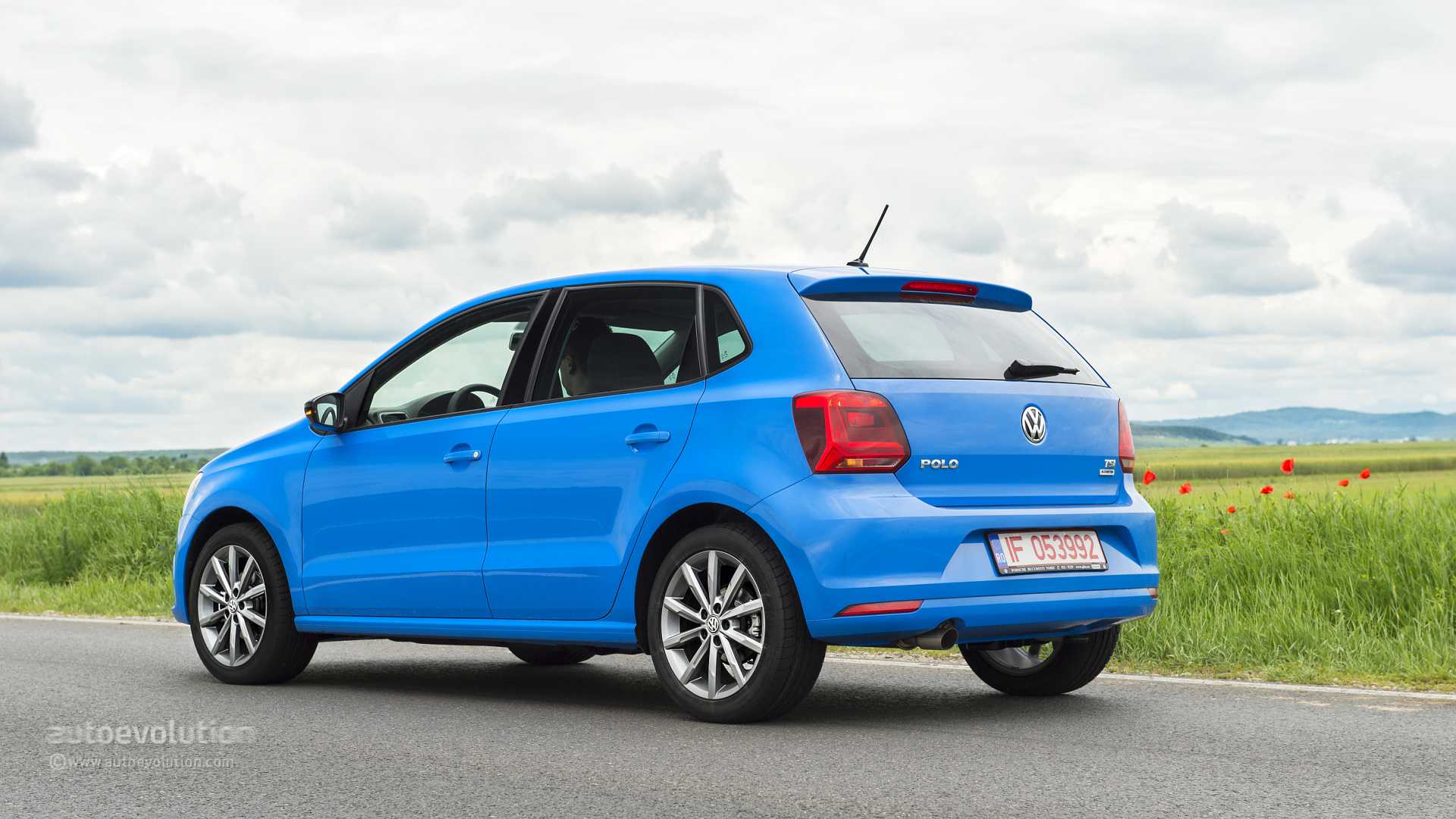 2014 VOLKSWAGEN Polo Facelift Review - autoevolution