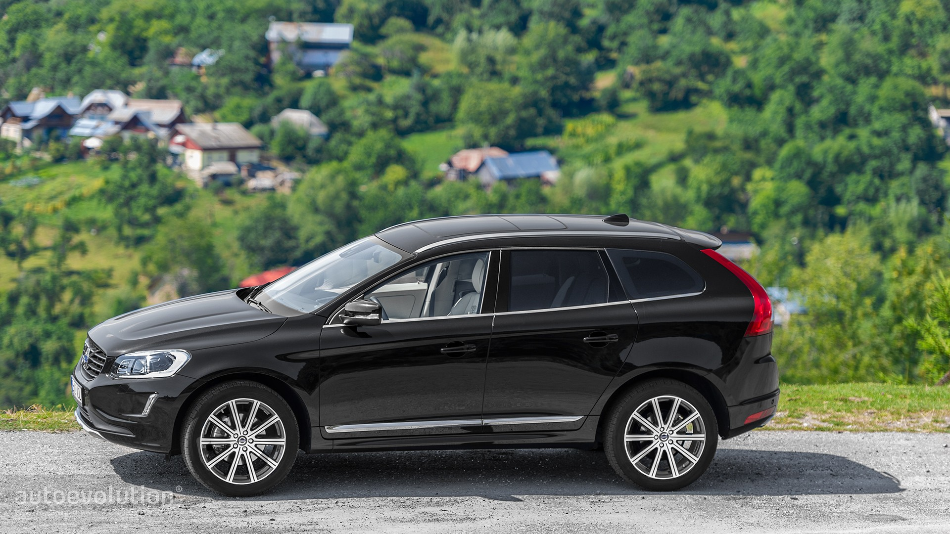 VOLVO XC60 Review - autoevolution