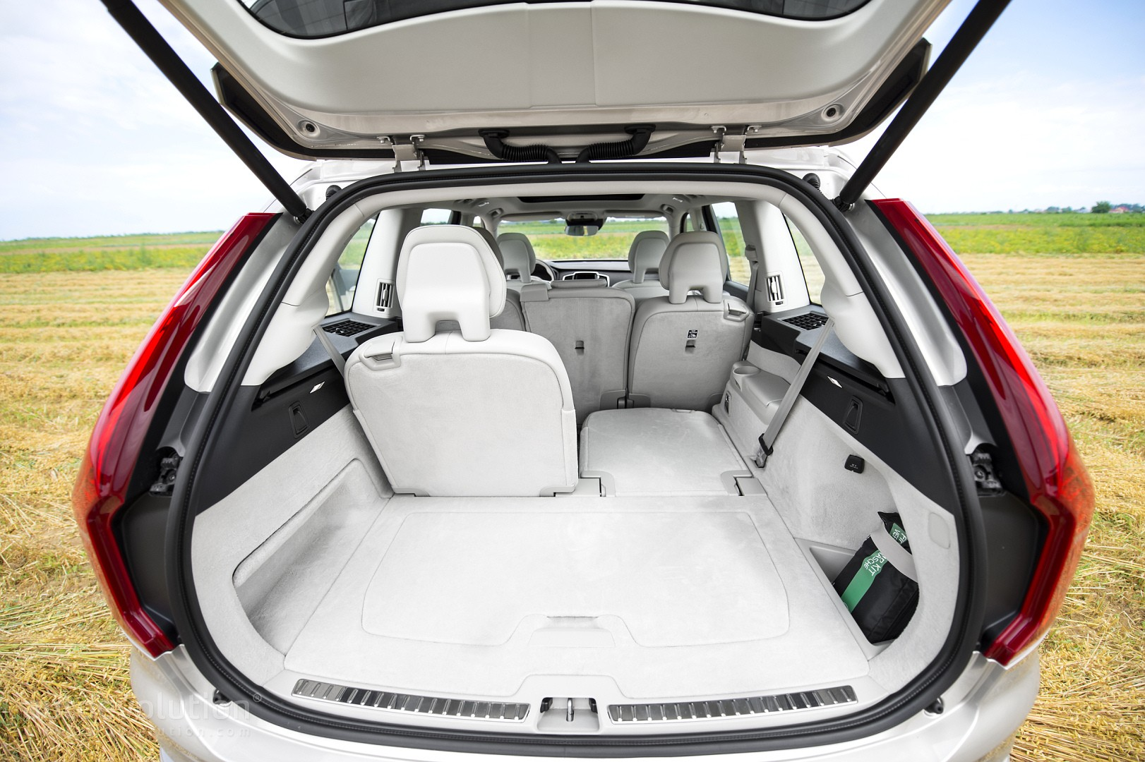2016 Volvo Xc90 Review Page 2 Autoevolution