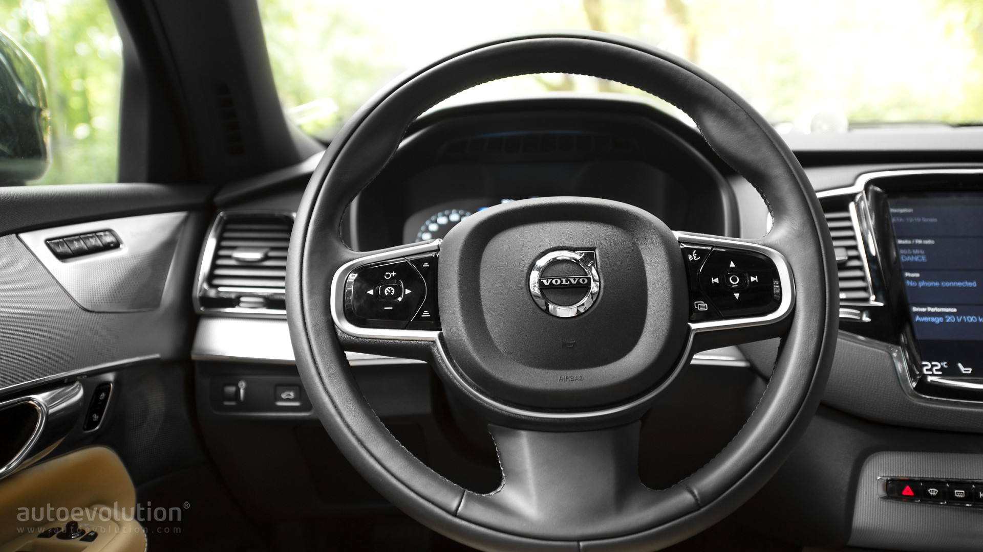 2016 VOLVO XC90 T6 Review - autoevolution