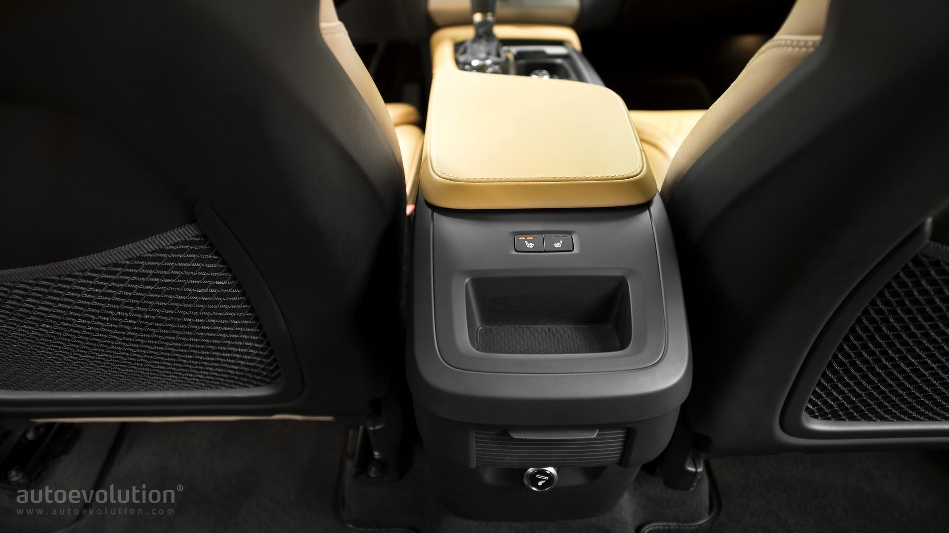 Volvo S60: Heated rear seats