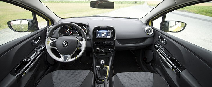 renault clio 0 9 tce review page 3 autoevolution. Black Bedroom Furniture Sets. Home Design Ideas
