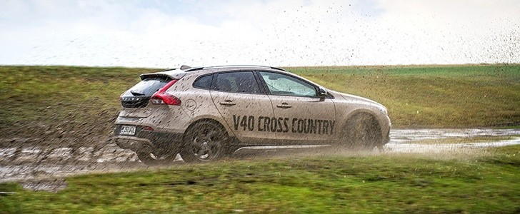 VOLVO V40 Cross Country - Guest Editor Opinions