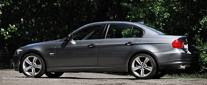 BMW 330d xDrive  - In the city