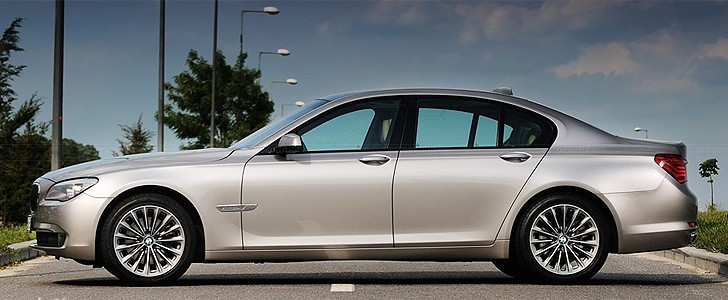 BMW 740d  - Safety