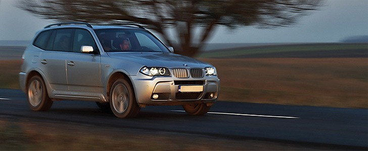 BMW X3 3.0sd  - Safety