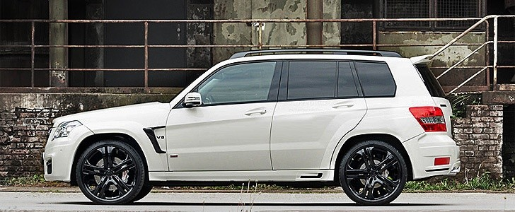 BRABUS MERCEDES BENZ GLK V8 6.1  - In the city