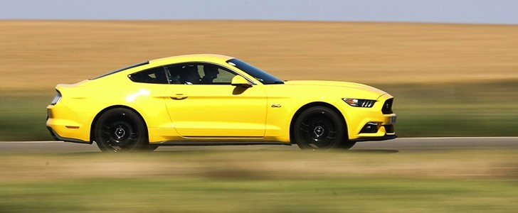 2017 Ford Mustang Gt Track Test Page 1