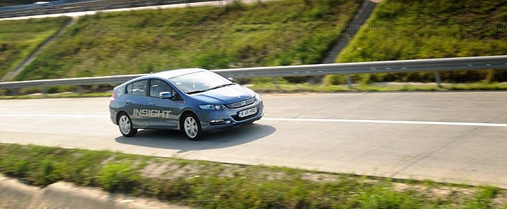 HONDA Insight  - Open road