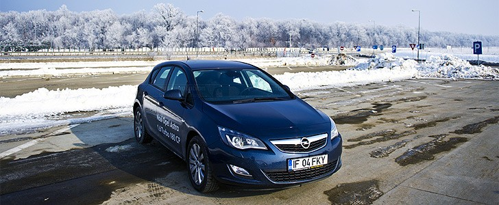 OPEL Astra - In the city