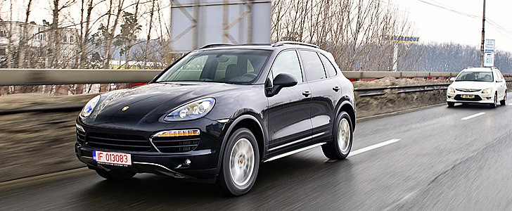 PORSCHE Cayenne Diesel - In the city
