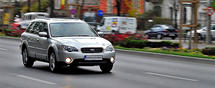 SUBARU Outback  - Open road
