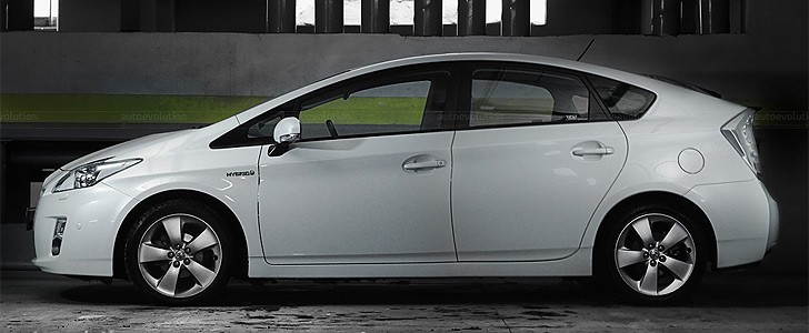 TOYOTA Prius  - In the city